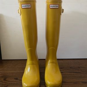 Hunter Boots Tall Gloss in Yellow